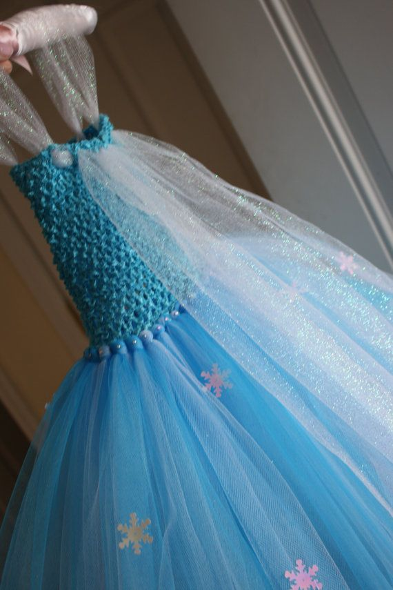 Elsa Frozen inspired tutu dress. The girls would love this!
