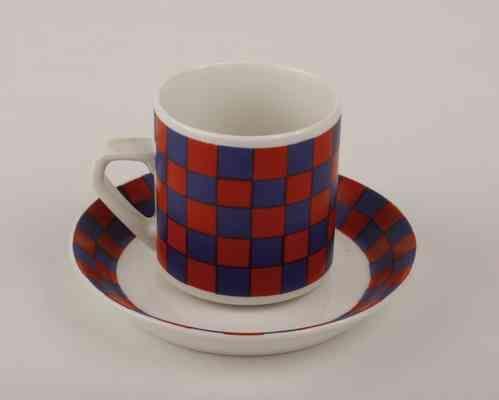 Tammi kahvikuppi ja asetti, designer Esteri Tomula, Arabia Finland