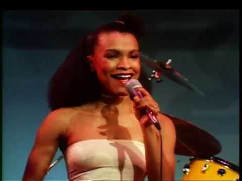 Chic - Everybody Dance - YouTube - Last Bernard Edwards (bass) show. RIP master