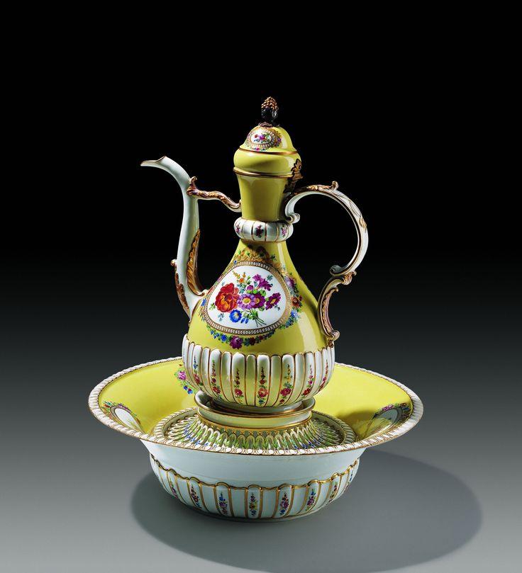 Avrupa Porselenleri | Topkapı Sarayı Müzesi Resmi Web Sitesi