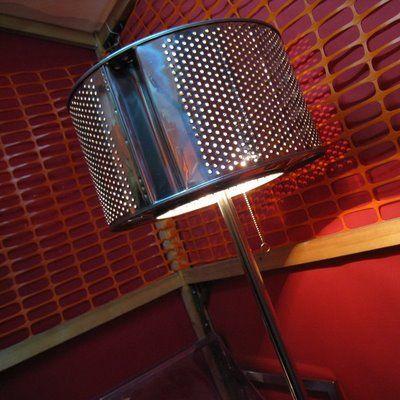 genial lámpara hecha con al tambor de un lavarropas