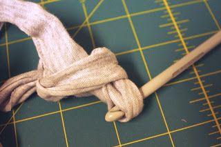 Tapete de pano de roupas e panos velhos | ARTESANATO NA REDE
