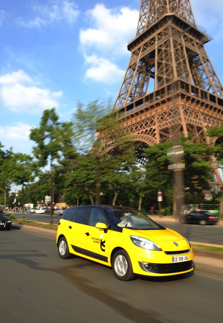 voitures jaunes paris toureiffel taxi yellow car renault scenic yellow cars pinterest. Black Bedroom Furniture Sets. Home Design Ideas