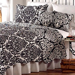 Best Black And White Quilts More Images On Pinterest White - Winners bedding