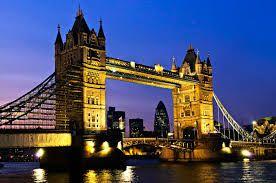 Paket Tour Ke London Inggris bersama cheria travel mengajak anda mengunjungi jembatan ini untuk menikmati keindahan sungai thames dan sedikit melihat situs bersejarah yang merupakan salah satu icon kota London ini.