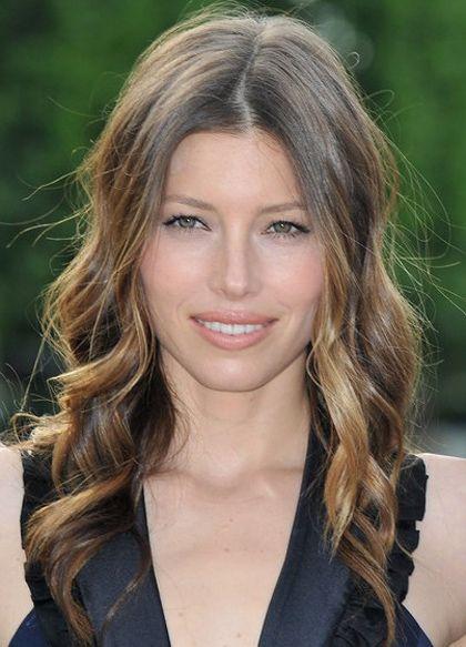 Acconciature per capelli mossi lunghi