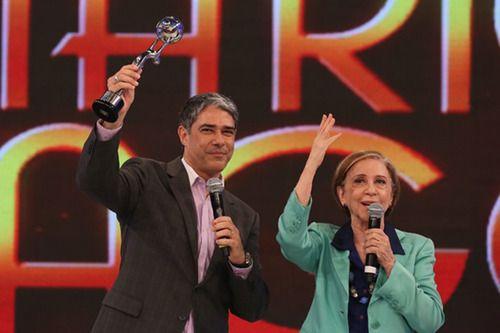 Filha de Mário Lago se revolta com troféu dado à William Bonner no Faustão: 'Estou enojada'   Notas TV - Yahoo TV