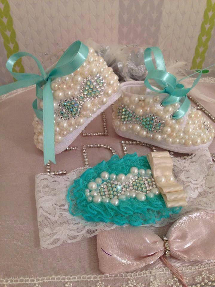 bebe shoes and headband :) price 30 Euro and free cargo with ptt cargo :) For contact : facebook Elya Bujiteri ve Bebe Dünyası