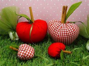 Picture of Μπομπονιέρα βάπτισης υφασμάτινο μήλο