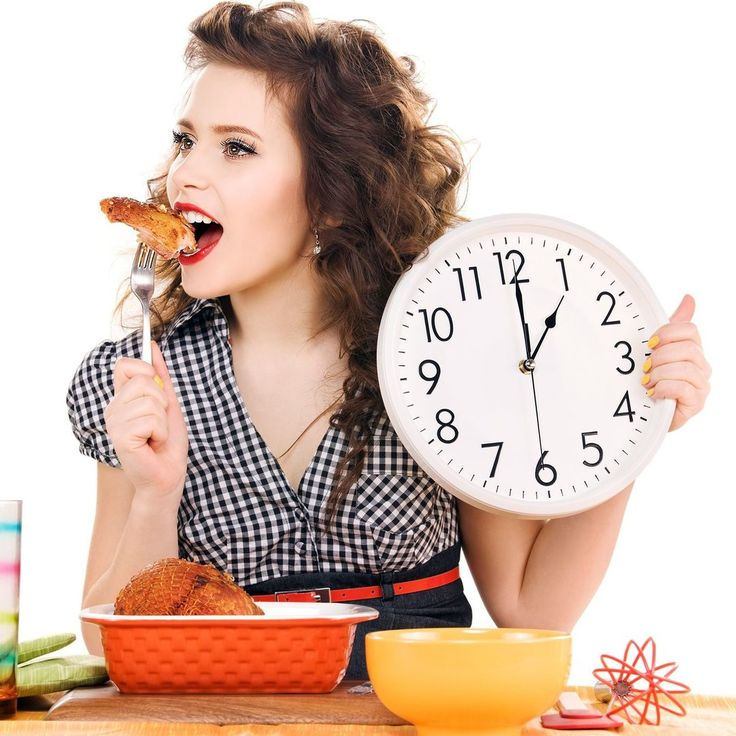 Как правильно питаться при гастрите  Приемы пищи не должны основываться только на потреблении продуктов, которые будут полезны и не нанесут урона для желудка. Принимать пищу нужно правильно.  Приемы пищи должный осуществляться в одно и то же время. Необходимо составить расписание потребления завтрака, обеда, ужина и перекусов между ними. Таким образом, организм привыкнет к тому или иному времени приемов пищи и желудок не станет страдать от голода и изжоги.  Размер порции должен быть…