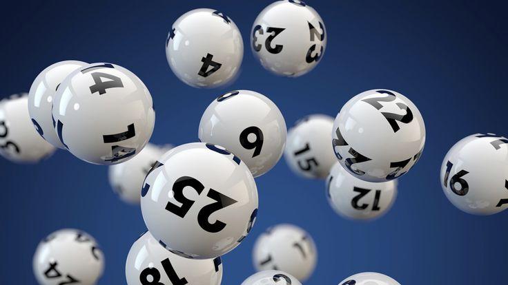 Bolas com números da loteria: Lotomania continua acumulada e pode sortear 2,6 milhões de reais - Oksana Kostyushko/Thinkstock