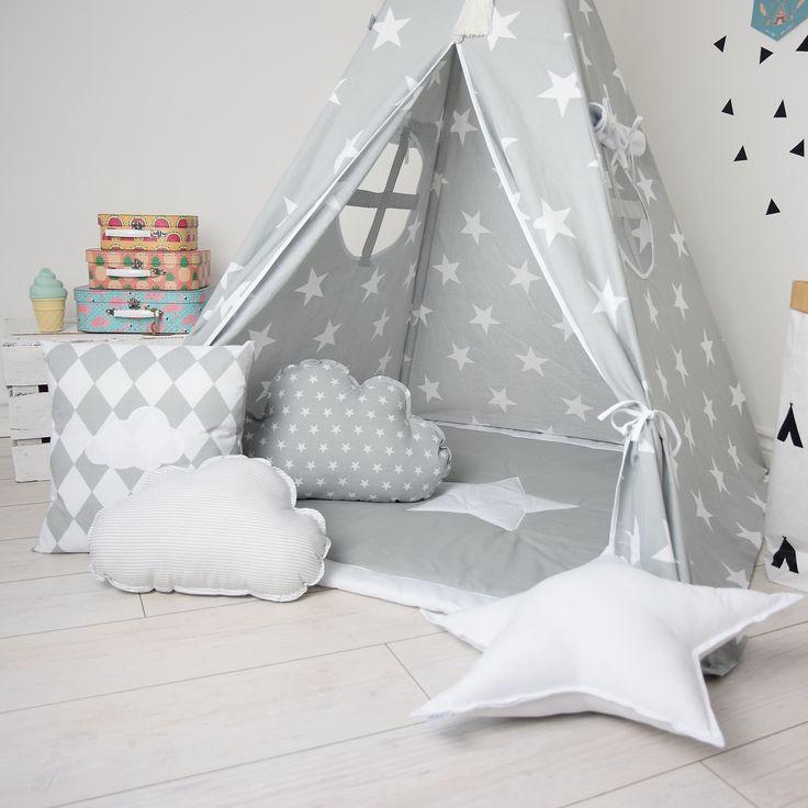 Białe gwiazdy na szarym tle pobudzają wyobraźnię w ciągu dnia, a wieczorem kołyszą do snu :)