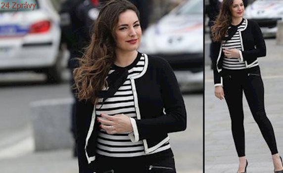 Styl podle celebrit: Plus size modelka Kelly Brook se inspirovala francouzským šarmem