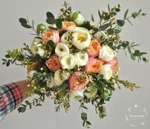 Jaskry i róże