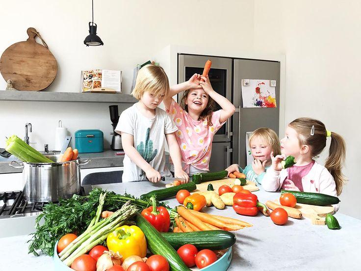 tips; recept; avondeten groente; groenten; kind lust geen groente; kind eet geen groente; peuter eet geen groente; kleuter eet geen groente; peuter lust geen groente; kleuter lust geen groente; groente; hoeveel groente; aanbevolen; hoeveelheid; voedingscentrum; gezond; gezondheid; kind; peuter; kleuter; 1 jaar; 2 jaar; 3 jaar; 4 jaar; 5 jaar; eet; eten; 6 jaar; 7 jaar; 8 jaar; gram; niet lusten; vies; avondeten; maaltijd