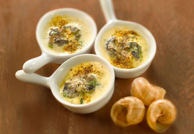Ufs en meurette 15 recettes de bourgogne pour vous - Cuisiner les escargots ...