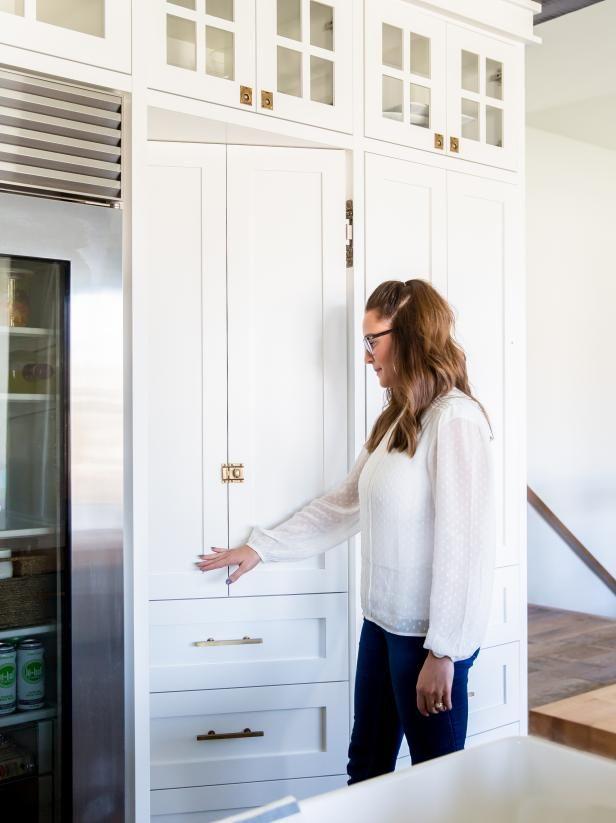 20 Cool Hidden Rooms Secret Passages   DIY- hidden pantry. Cool ...