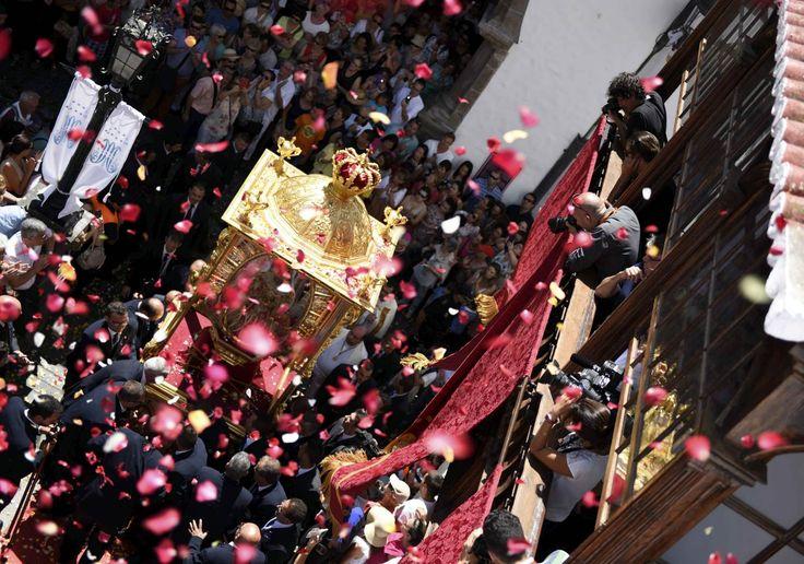Entra la Virgen de las Nieves a la capital.