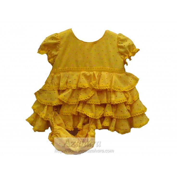 #Vestido #flamenco para #bebé en tonos amarillos, a juego con su braguita y babero. #modaflamenca #niñas