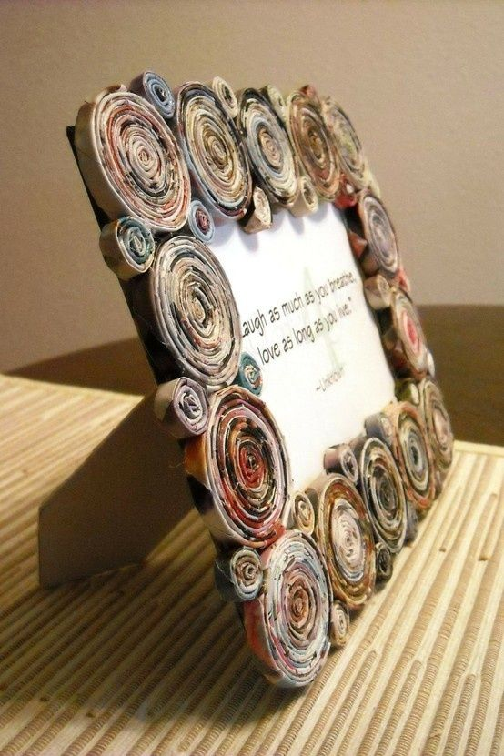 Recycled Magazine Picture Frame by loracia