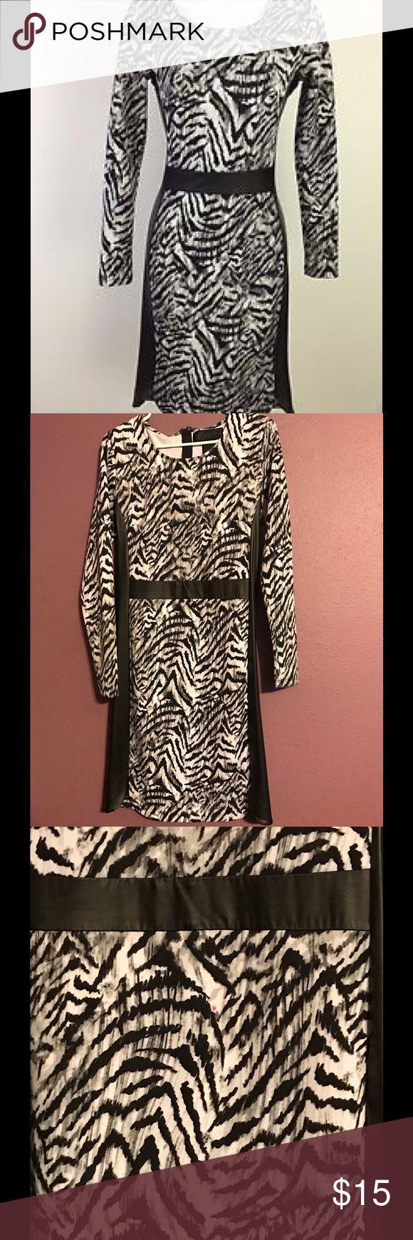 KARDASHIAN KOLLECTION Dress Sheath KARDASHIAN KOLLECTION Dress Sheath Black Scoop Neck Faux Leather Kardashian Kollection Dresses Midi