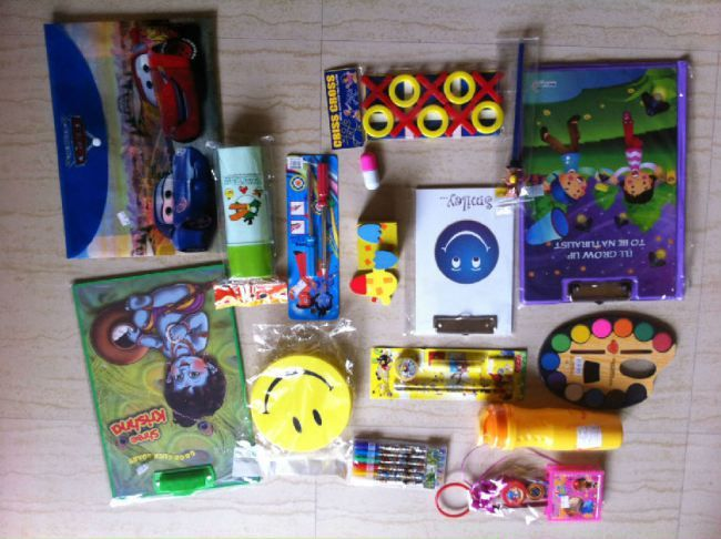 Parents often rack their brains when they have to select birthday return gifts as a part of planning their child's birthday party. They do not want to buy return gifts that are very cheap nor do they want to buy ones that are very costly. They need to be enjoyable enough for the kids without breaking bank, so here are some ideas that are sure to excite the kids when the package is unwrapped.