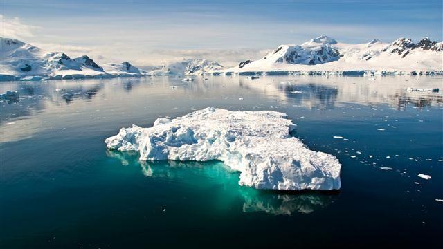 Güney Kutbu Antartika Gezisi  Tangoları ve dünyaca ünlü etleri ile başkent Buenos Aires, dünyanın en sonundaki Tierra del Fuego Parkı ve deniz feneri ile ateş topraklarının başkenti Ushuaia, buzulları, koyları, körfezleri, kanalları, vahşi yaşamı, görkemli dağları, balinaları, fok balıkları, penguen kolonileri ile Güney Kutup Kıtası Antartika mutlaka görülmeli