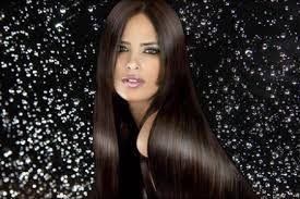 R´Lizz Sellado Térmico: Lisa, Siempre Lista¡ #7 NO IMPORTA LA LLUVIA Sin duda esta sí que es una ventaja con la que cuentan las lisas, y es que no tienen que salir a buscar refugio o preocuparse descubrirse de la algún chubasco simplemente porque el cabello liso no perderá su forma y en cuanto se seque naturalmente será como si nada hubiera pasado. R´Lizz Sellado Térmico. Visitanos en: http://rlizzselladotermic.wix.com/inicio