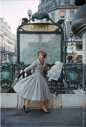 ❤: The Louvre, Mark Shaw, Vintage Paris, 1950S, Markshaw, Vintage Fashion, Christian Dior, Dresses, Coats