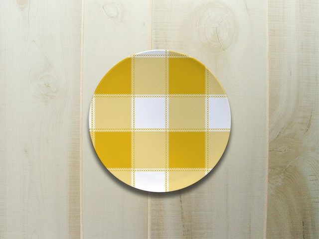 gingham plate: Check Yellow, Gingham Rooms Decor, Gingham Plates, Yellow Mellow, Glorious Gingham, Ginham Check Beautiful, Check Rocks