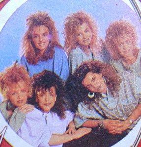 De Dolly Dots! Wauw, dat jaren 80 permanentje ...