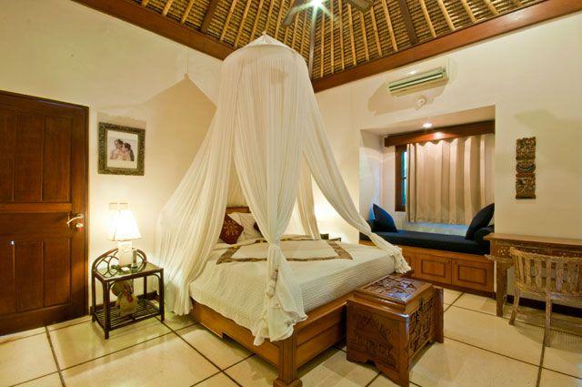 #bali #villa #seminyak #villainbali #hgtv #luxury #vacation #travel #tgif #wonderfulindonesia #balivilla #wtm