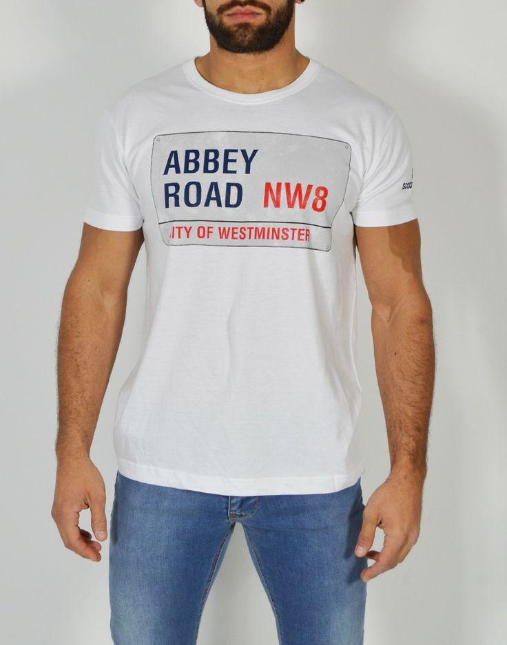 Camiseta Abbey Road. Combina nuestras camisetas con camisas y vaqueros, es un acierto seguro para esta primavera. http://tiendas13.com/camisetas-hombre/2127-camiseta-manga-corta.html