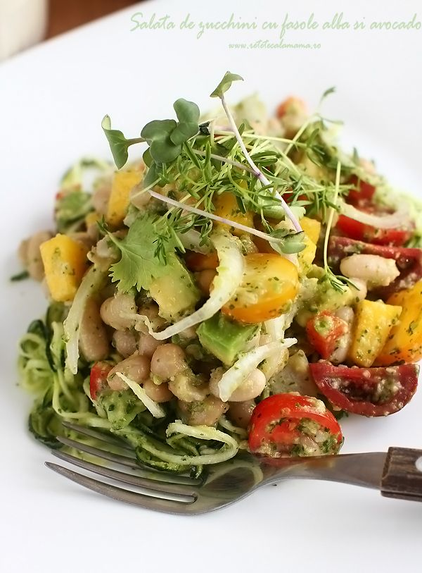 salata de zucchini cu fasole alba si avocado retetecalamamaro-2