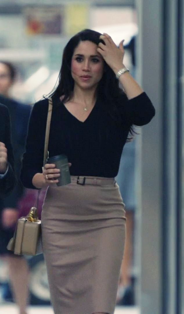 Rachel Zane's outfit in Season 3 Suits. A fresh power dresser look for today.