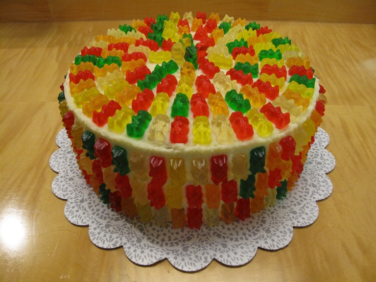 Gummy Bear Cake--made this for my son's birthday party at Build a Bear.  He wanted a cake with dancing bears and this was close enough.