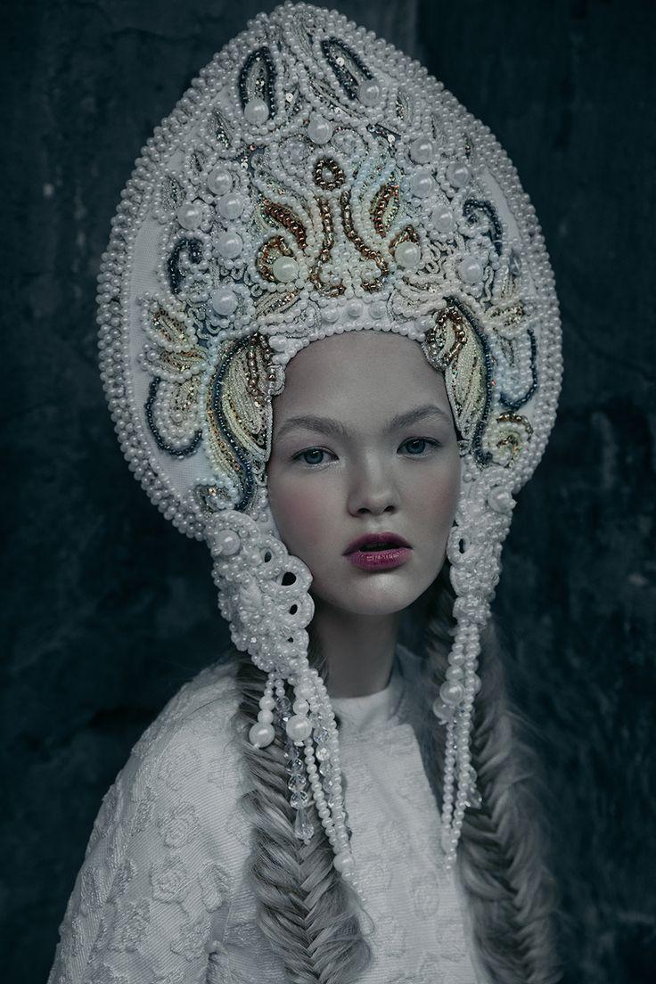 model - Alina Bagaeva @ultrakids modelsmake-up&hair - Wanda Polyanovskayaheaddress - Agnieszka Osipajacket - Monnalisa photographer - Ekaterina Belinskaya