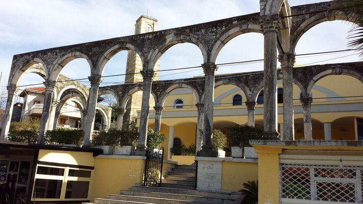 Camii ve Saat Kule Kavaja Arnavutluk
