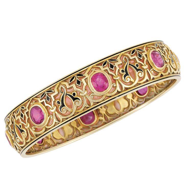 Art Nouveau Gold, pink plaque-a-jour enamel, ruby, synthetic ruby and black enamel bangle bracelet, Marcus & Co. c1900 | JV