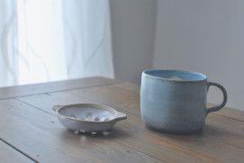 Speckled Green Porcelain Mug and Matt White Sieve