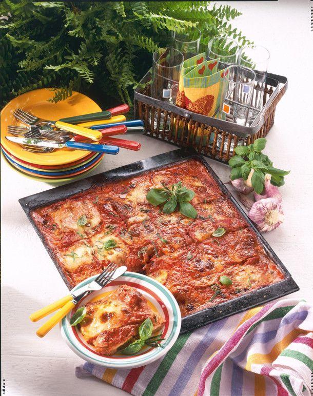 Unser beliebtes Rezept für Schnitzel-Pizza vom Blech und mehr als 55.000 weitere kostenlose Rezepte auf LECKER.de.