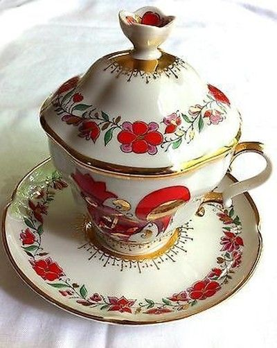 LOMONOSOV RUSSIAN IMPERIAL PORCELAIN FACTORY ROOSTER COVERED CUP & SAUCER, USSR