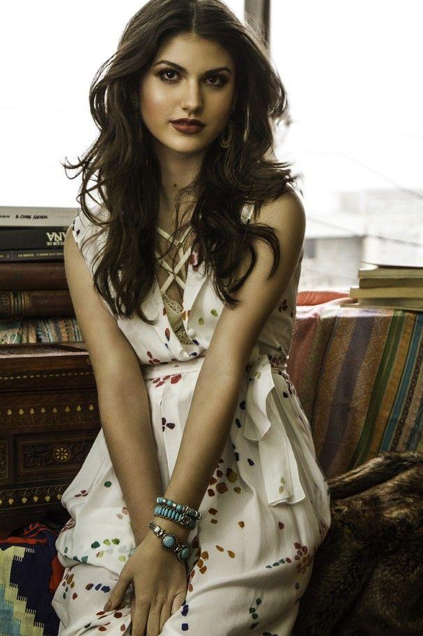 """Giovanna Grigio, aos 18, diz que ainda não se vê como mulher: """"Amadurecendo"""""""