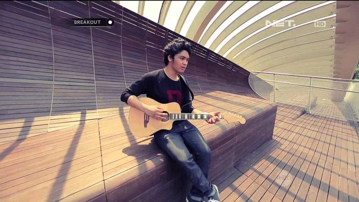 Breakout NET - The Overtunes - The Man Who Can't Be Moved ( The Script C...