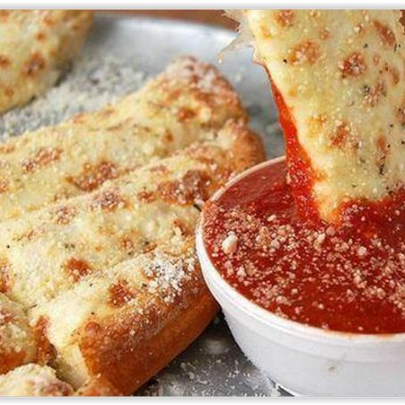 Pan pizza con formaggio e mozzarella
