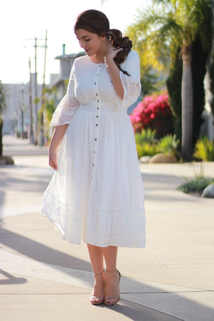 Did you catch this weeks new arrivals? They are going fast! Our Lorena dress is stunning!!