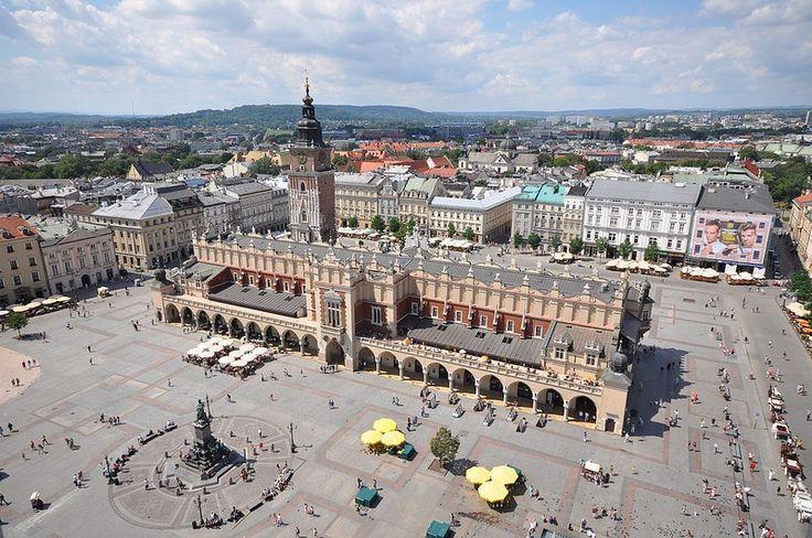 La Plaza del Mercado de Cracovia, una de las mas grandes de Europa