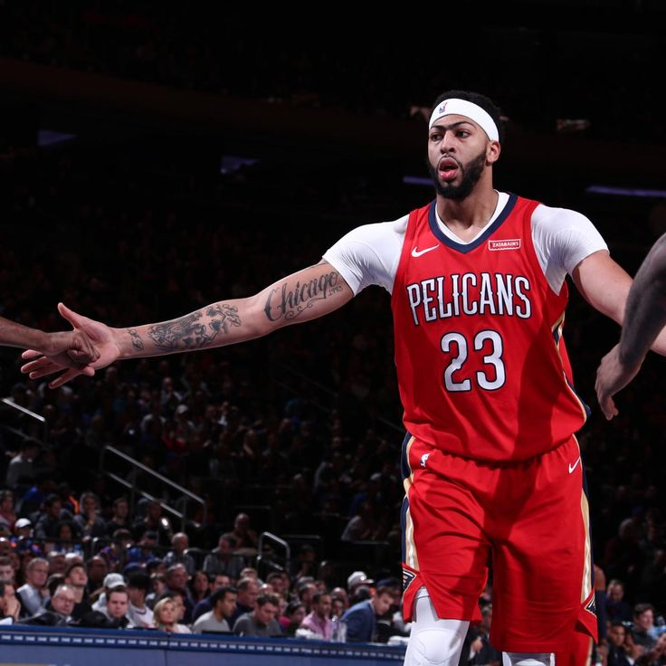 Twitter Reacts to Anthony Davis' 48 Points in Pelicans' Comeback Win vs. Knicks  ||  Anthony Davis made the most of the Madison Square Garden stage on Sunday, scoring a season-high 48 points while adding 17 rebounds, four steals and three blocks in the  New Orleans Pelicans ' 123-118 overtime win over the  New York Knicks…