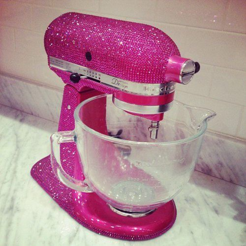 sparkly pink mixer ... wouldn't match my kitchen, but