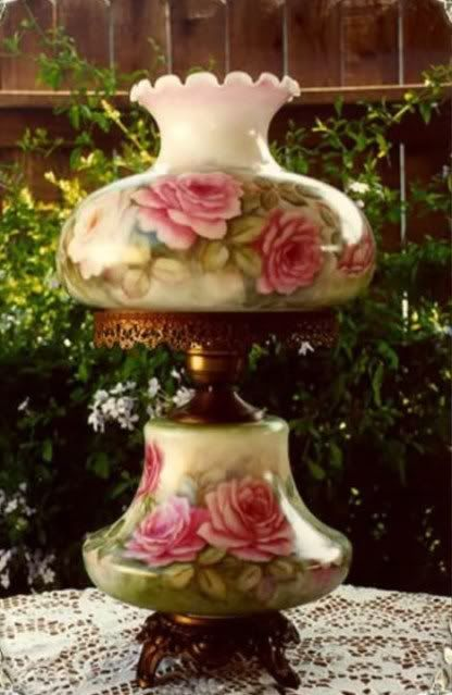 old fashioned lamp w/roses